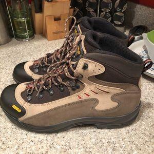 17f35ce2bb7 Men Shoes Boots on Poshmark